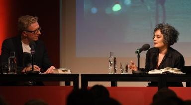Suzanna Arundhati Roy Lesung im Literaturhaus.Mit Christopher Keil und Eva Matthes Foto:Catherina Hess